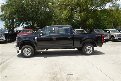 2018 F-250 Crew Cab 4x4,  Pickup #HC36634 - photo 4