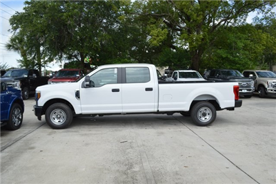 2018 F-250 Crew Cab 4x2,  Pickup #HC45735 - photo 4