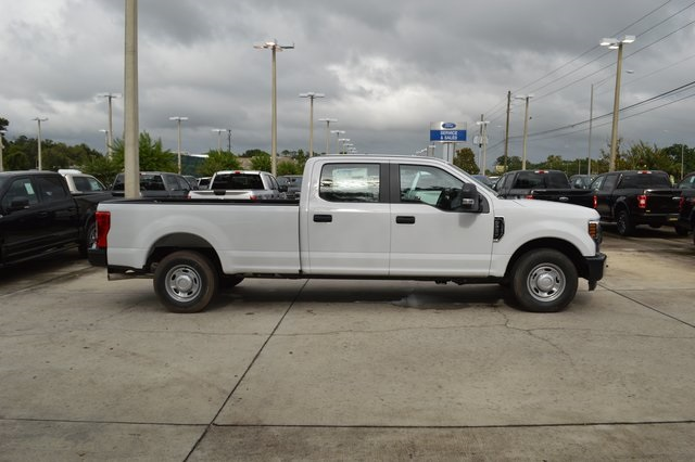 2018 F-250 Crew Cab 4x2,  Pickup #HC45742 - photo 3