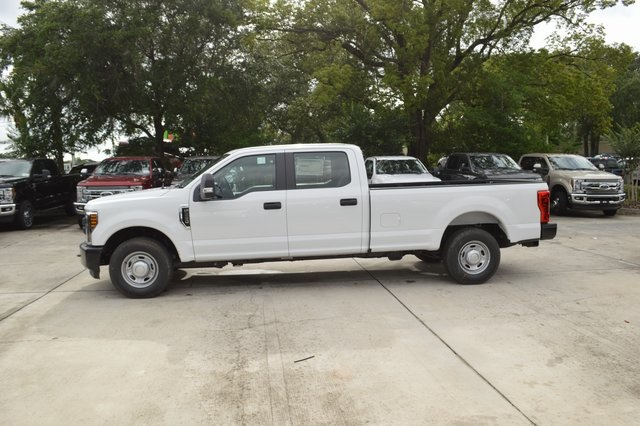 2018 F-250 Crew Cab 4x2,  Pickup #HC45742 - photo 4
