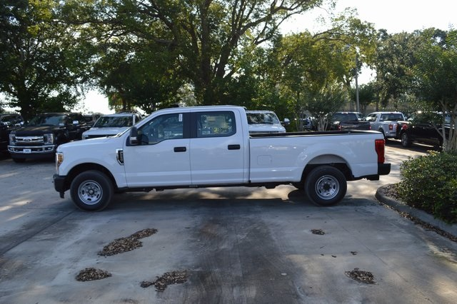 2018 F-250 Crew Cab 4x2,  Pickup #HC45745 - photo 4