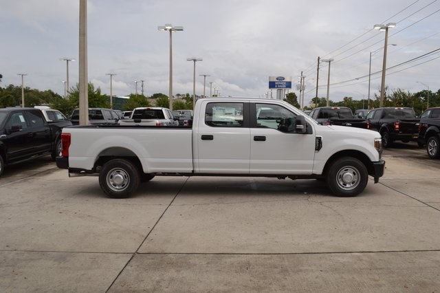 2018 F-250 Crew Cab 4x2,  Pickup #HC45747 - photo 3