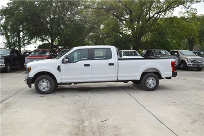 2018 F-250 Crew Cab 4x2,  Pickup #HC45747 - photo 4