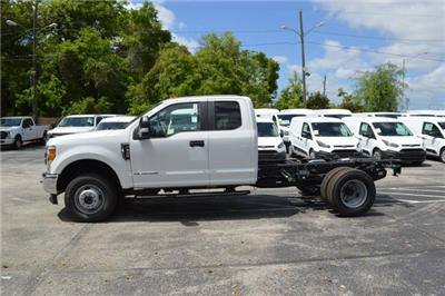 2017 F-350 Super Cab DRW 4x4,  Cab Chassis #HE74942 - photo 4