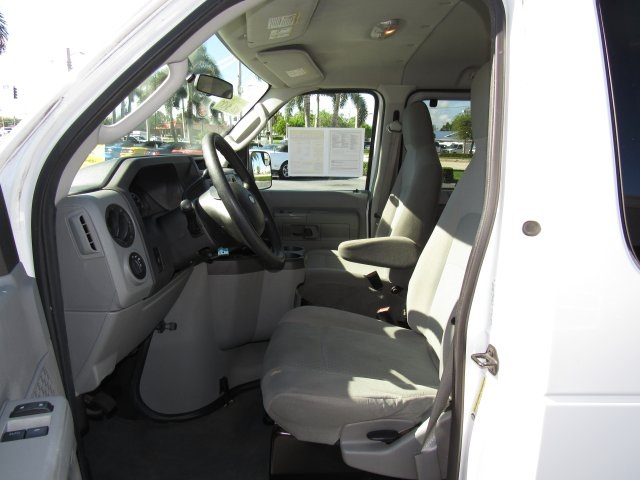 2011 E-350, Passenger Wagon #A42697 - photo 25