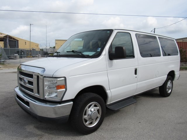 2011 E-350, Passenger Wagon #A42697 - photo 4