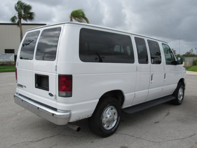 2008 E-350, Passenger Wagon #A80257 - photo 6