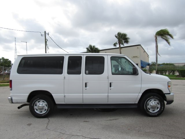 2008 E-350, Passenger Wagon #A80257 - photo 15