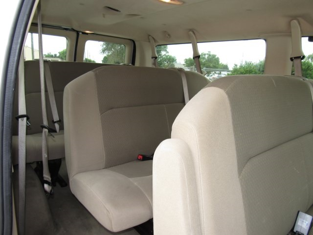 2008 E-350, Passenger Wagon #A80257 - photo 17