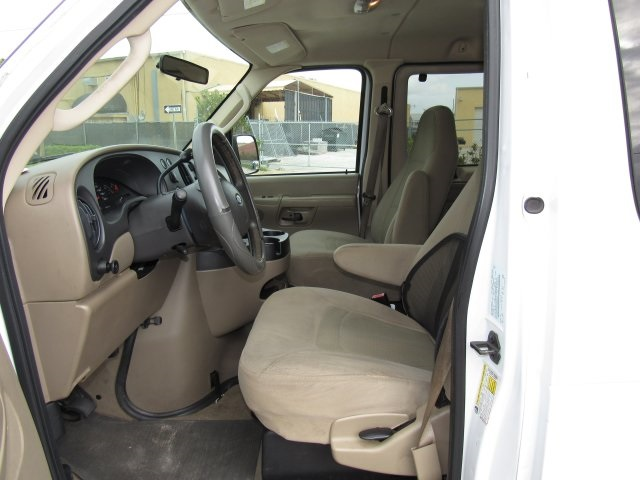 2008 E-350, Passenger Wagon #A80257 - photo 21