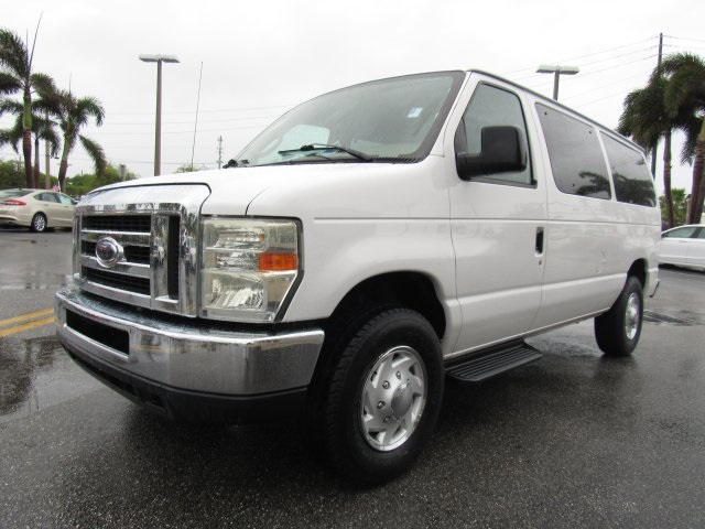 2008 E-350, Passenger Wagon #A80257 - photo 8