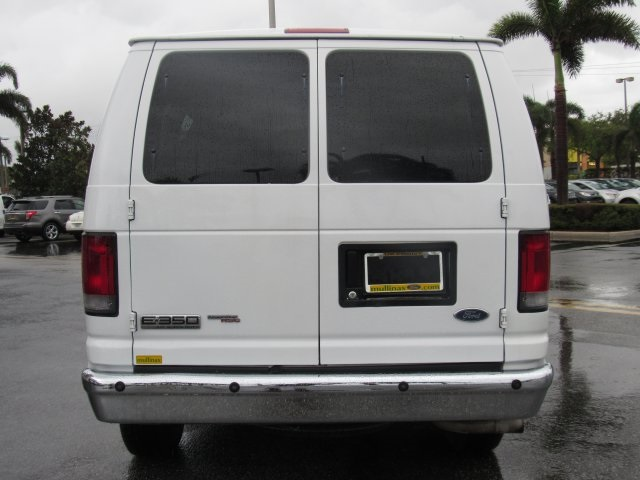 2008 E-350, Passenger Wagon #A80257 - photo 5
