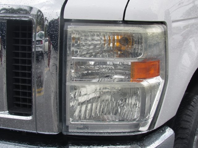 2008 E-350, Passenger Wagon #A80257 - photo 18