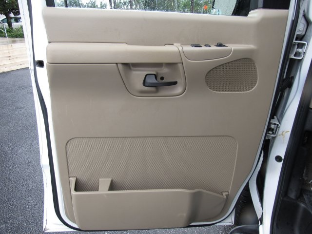 2008 E-350, Passenger Wagon #A80257 - photo 25