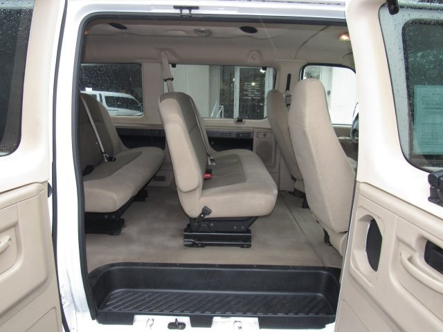 2008 E-350, Passenger Wagon #A80257 - photo 33