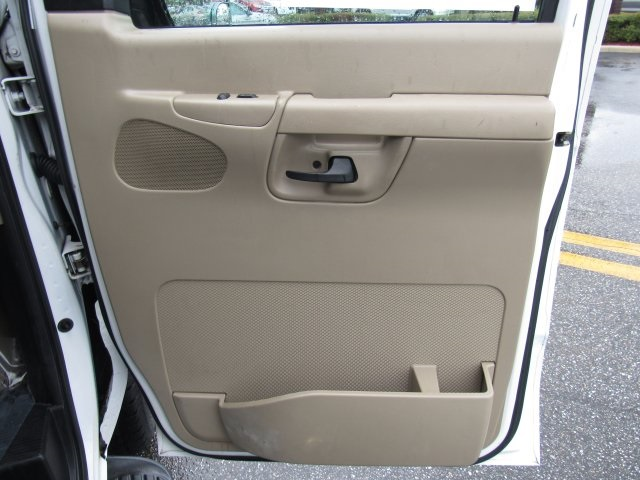 2008 E-350, Passenger Wagon #A80257 - photo 36