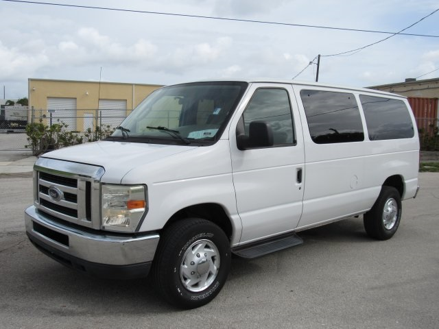 2008 E-350, Passenger Wagon #A80257 - photo 7