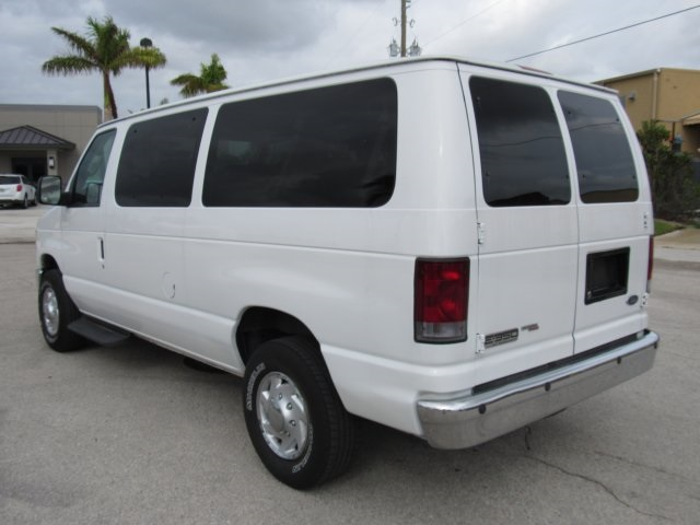 2008 E-350, Passenger Wagon #A80257 - photo 11