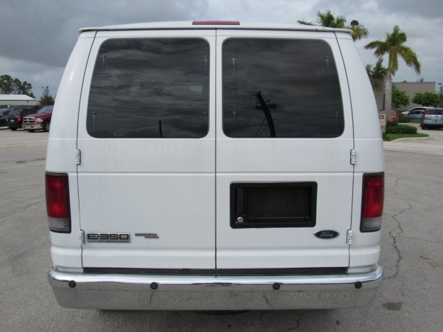 2008 E-350, Passenger Wagon #A80257 - photo 13