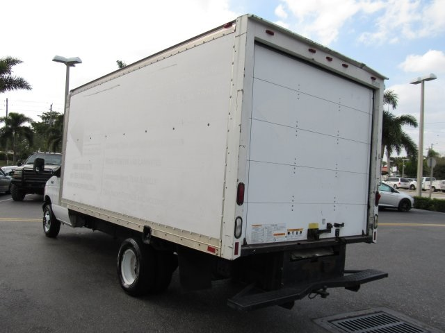2002 E-350, Cutaway Van #A96285 - photo 16