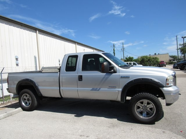 2005 F-250 Super Cab 4x4, Pickup #B03440 - photo 10