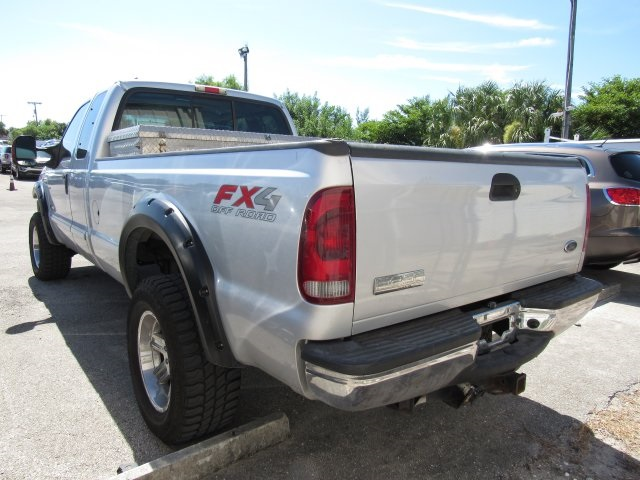 2005 F-250 Super Cab 4x4, Pickup #B03440 - photo 6