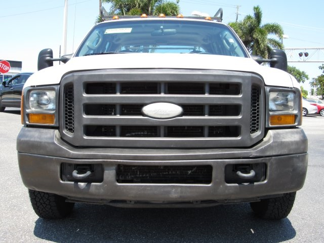 2005 F-350 Crew Cab DRW, Service Body #B45536C - photo 4