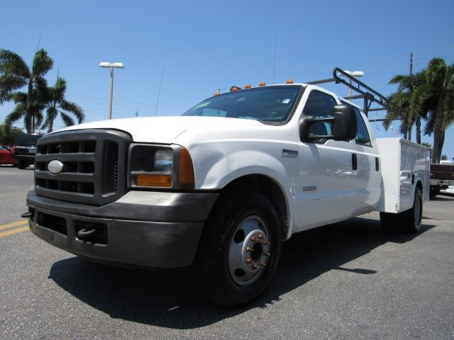 2005 F-350 Crew Cab DRW, Service Body #B45536C - photo 5