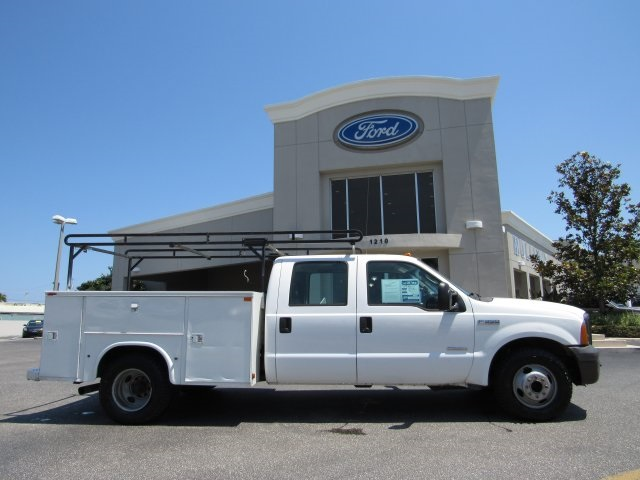 2005 F-350 Crew Cab DRW, Service Body #B45536C - photo 3