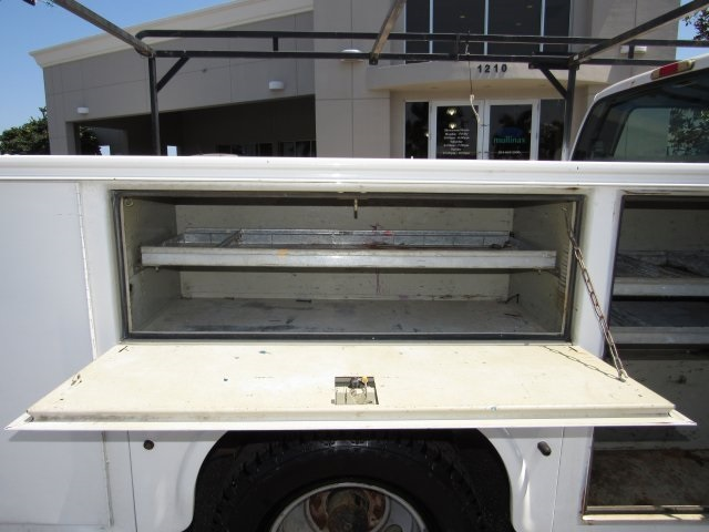 2005 F-350 Crew Cab DRW, Service Body #B45536C - photo 29