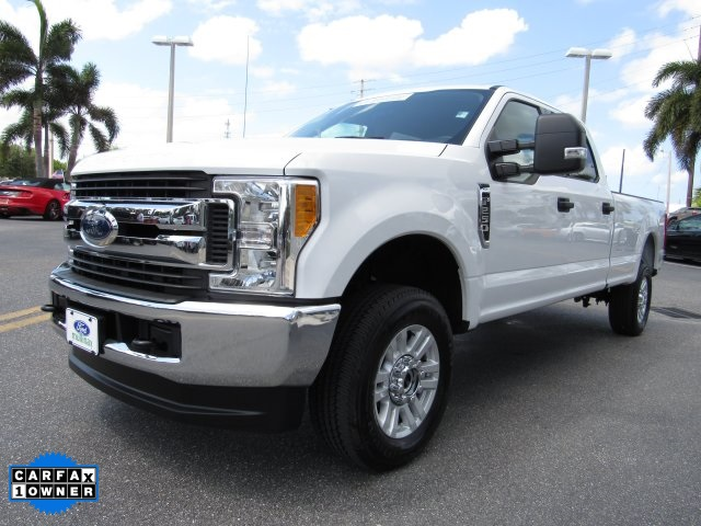 2017 F-250 Crew Cab 4x4, Pickup #F19207F - photo 4