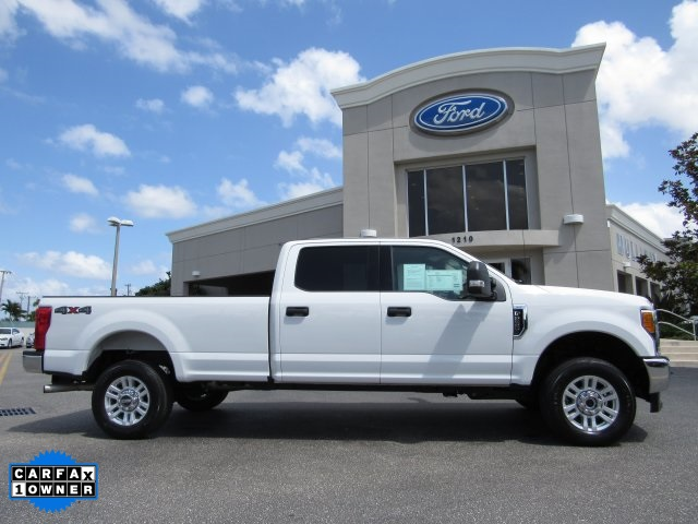 2017 F-250 Crew Cab 4x4, Pickup #F19207F - photo 5