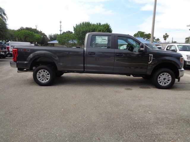2018 F-250 Crew Cab 4x4,  Pickup #HC87245 - photo 8
