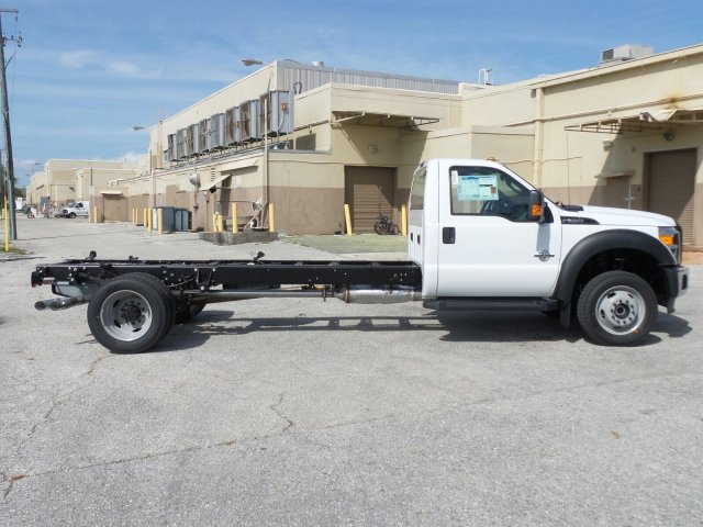 2016 F-550 Regular Cab DRW 4x4, Cab Chassis #GEC32865 - photo 9