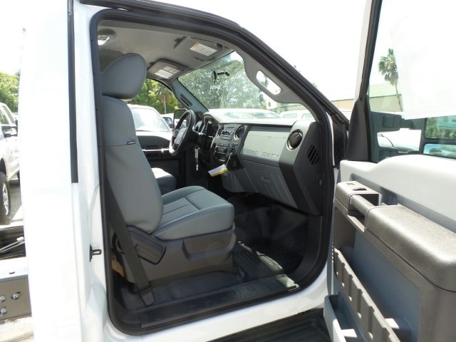 2016 F-550 Regular Cab DRW, Cab Chassis #GEC45559 - photo 13