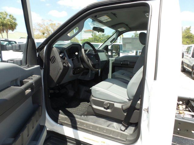 2016 F-550 Regular Cab DRW, Cab Chassis #GEC45559 - photo 16