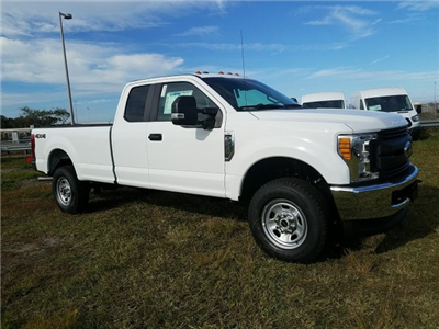 2017 F-350 Super Cab 4x4, Pickup #HEF31378 - photo 4
