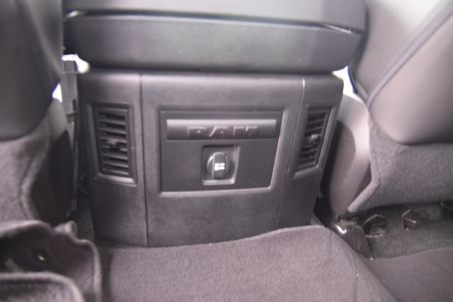 2014 Ram 1500 Crew Cab, Pickup #146043 - photo 31