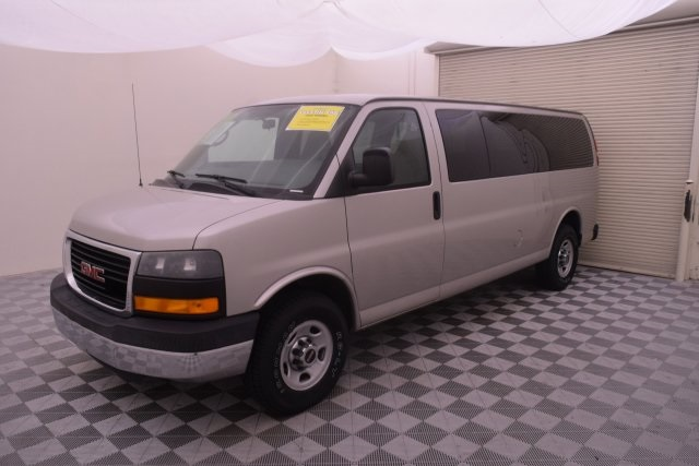 2007 Savana 3500,  Passenger Wagon #148272 - photo 4