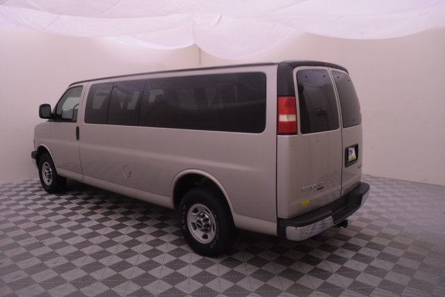 2007 Savana 3500,  Passenger Wagon #148272 - photo 7