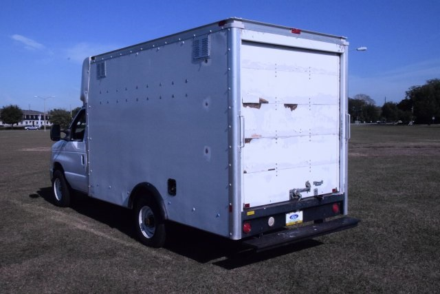 2009 E-350, Cutaway Van #A01221 - photo 5