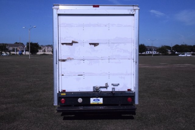 2009 E-350, Cutaway Van #A01221 - photo 16