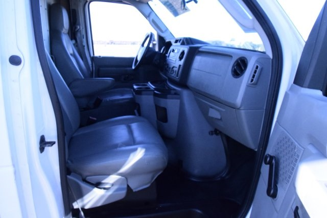 2009 E-350, Cutaway Van #A01221 - photo 21
