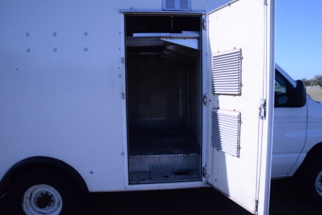 2009 E-350, Cutaway Van #A01221 - photo 24