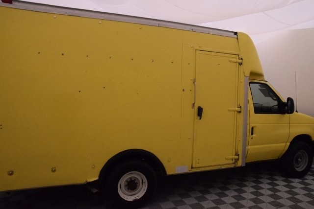 2008 E-350, Cutaway Van #A10648 - photo 12