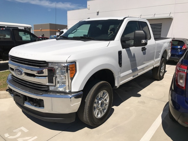 2017 F-250 Super Cab 4x4, Pickup #C46084F - photo 5