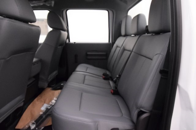 2016 F-550 Crew Cab DRW 4x4, Cab Chassis #HD15519 - photo 26