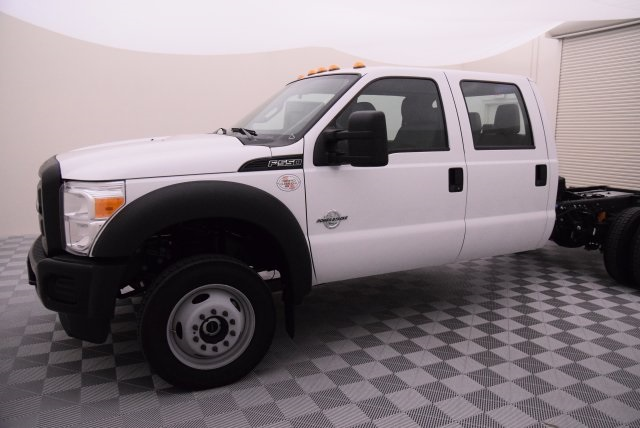 2016 F-550 Crew Cab DRW 4x4, Cab Chassis #HD15520 - photo 4