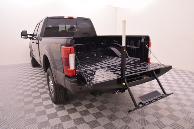 2017 F-250 Crew Cab 4x4 Pickup #HE91947 - photo 21