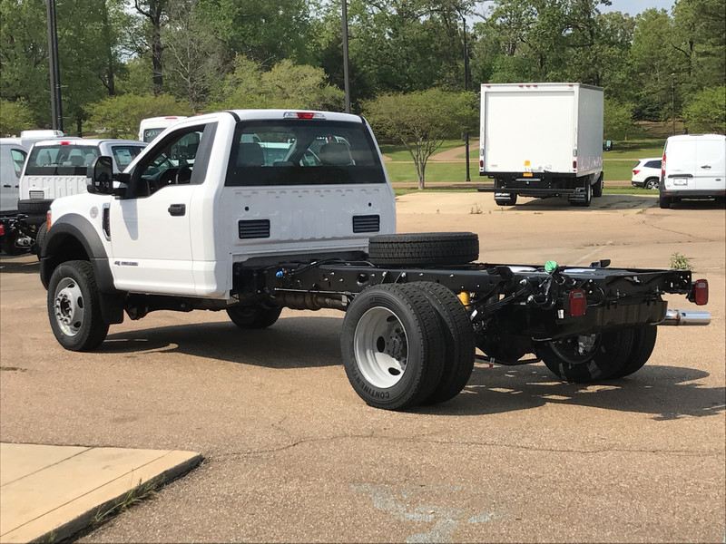 2017 F-450 Regular Cab DRW, Cab Chassis #HED21567 - photo 2